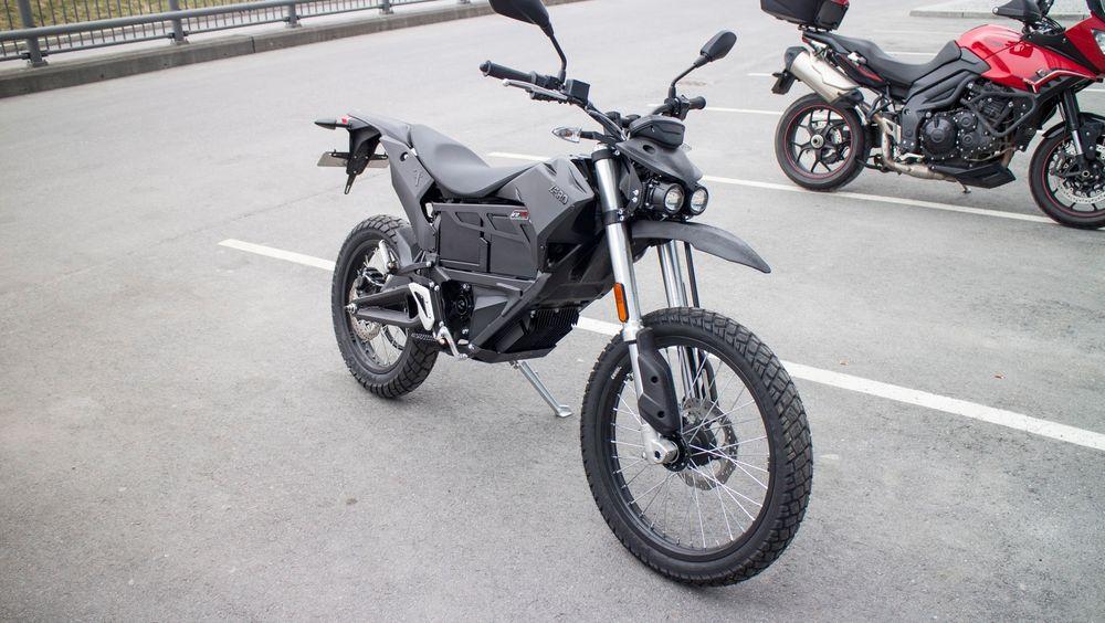 Morosykkel: Vi kjørte Zero FX en dag og har knapt hatt det så morsomt på en tohjuling noen gang.