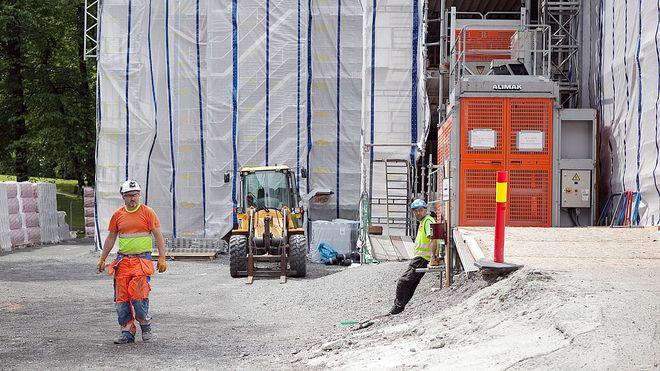 Tre av fire byggeprosjekter forsinket
