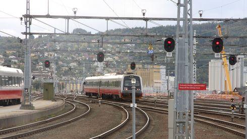 Derfor bygger Jernbaneverket nytt signalanlegg rett før alle signalene skal skiftes ut