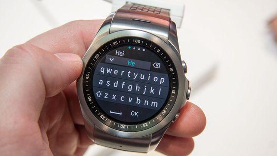 LG Watch Urbane LTE fungerer som mobiltelefon, og lar deg for eksempel sende SMS.