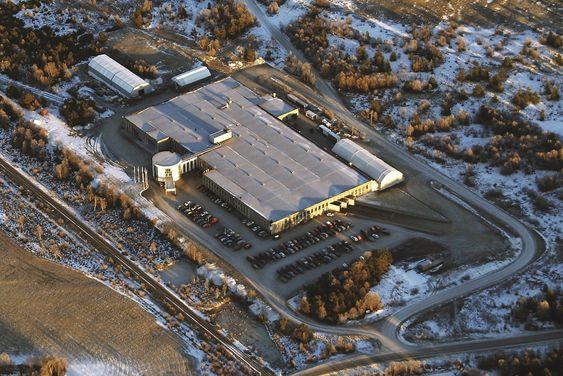 Flyfoto av fabrikken på Røros.