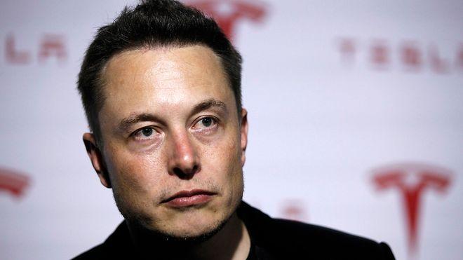 Lyst til å jobbe for denne mannen? Nå lyser Tesla ut 60 stillinger i Norge