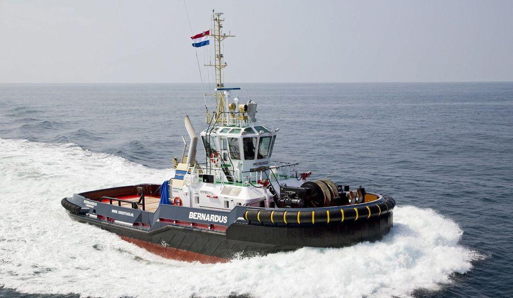 Damen hybrid slepebåt med trekkraft (bollard pull) på 60 tonn. Batterikapasiteten gjør det mulig å seile i 4 knop i en time. Drivstofforbruket reduseres med 30 prosent og utslipp med opp til 50 prosent.