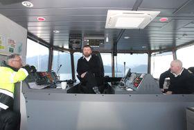 Kaptein Knut Skaar, overstyrmann Roger Arefjord og vakthavende kaptein Frode Hjønnevåg.