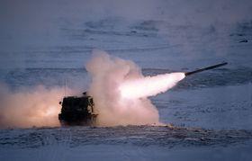 Dette bildet er fra den første skyteøvelsen med en norsk MLRS-vogn på Hjerkinn i mars 1998.