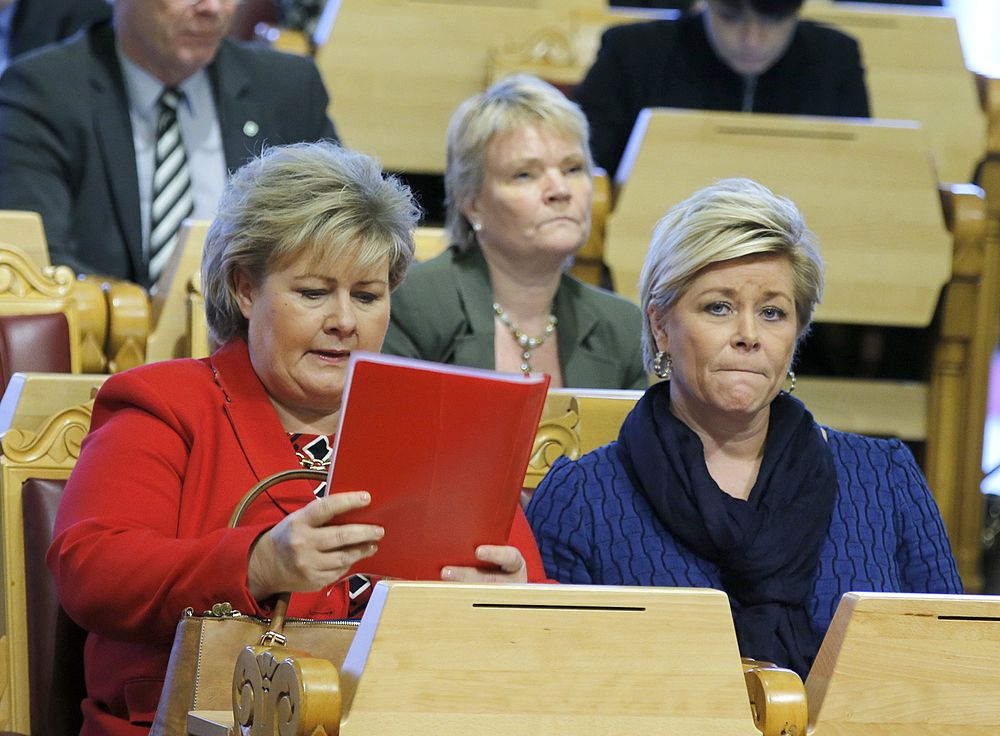 Statsminister Erna Solberg (t.v.) og finansminister Siv Jensen under en  finansdebatt i Stortinget tidligere i år.