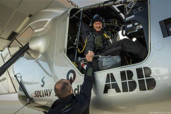 Denne uka ble det bestemt at André Borschberg skal fly den første etappen fra Abu Dhabi. Piccard flyr den tolvte og siste.