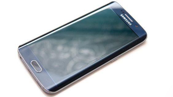 Samsung Galaxy S6 Edge har en noe spesiell form.