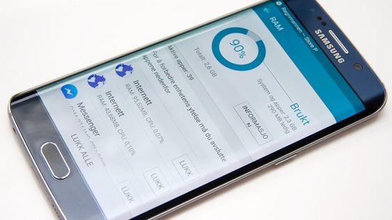 Samsung vil ha oss til å tro at det generelt er en god idé å tømme arbeidsminnet, til tross for at telefonen har 3 GB RAM av en svært hurtig type.