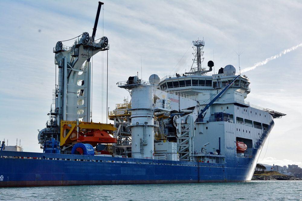 Axtech har blant annet laget et løftesystem på skipet North Sea Giant som skulle kunne løfte opptil 420 tonn i 9 meter høye bølger på Åsgard-feltet i Norskehavet.