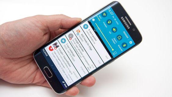 Varselmenyen fremstår som renere og penere enn på tidligere Samsung-telefoner.
