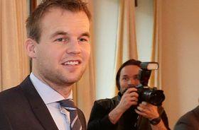 Kjell Ingolf Ropstad (KrF) krever svar fra næringsminister Monica Mæland.