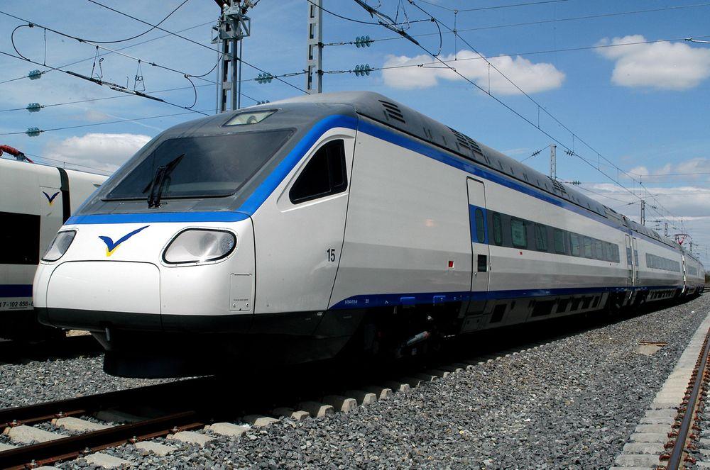 Spanske CAF skal levere åtte nye flytog til Norge.  Togsettene vil trolig tilpasses de norske ønskene og se noe annerledes ut enn selskapets eksisterende modeller. Bildet viser tog CAF tidligere har levert til andre bedrifter.