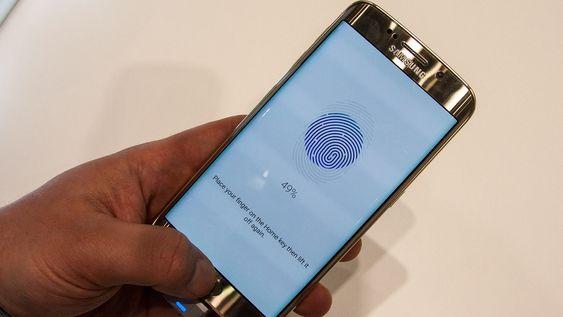 En kjapp test av fingeravtrykkleseren gir oss inntrykk av at den fungerer omtrent som på iPhone 6.