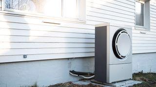 Enova advarer: Slik må du ikke installere varmepumpen
