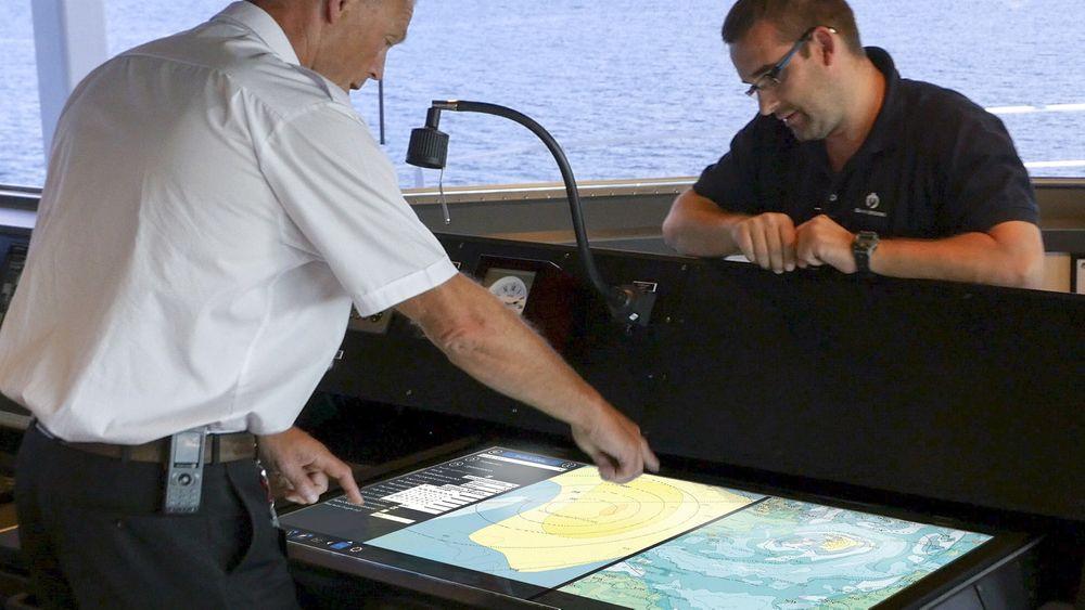 Navigasjon på ett brett om bord på «Island Performer», som eies av Island Offshore.