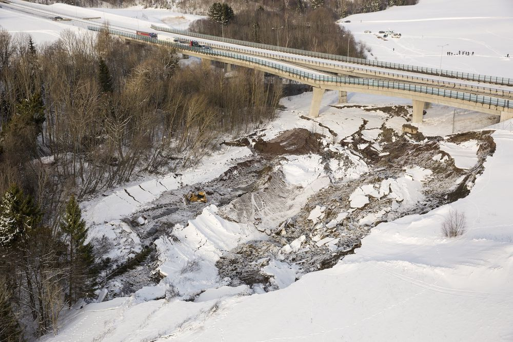 Skred: Her vises skredet som gikk under Skjeggestadbrua mandag.