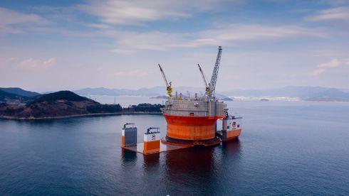 Her står Goliat-plattformen på verdens største løfteskip
