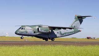 Her er Brasils største fly i lufta for første gang