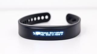 Godt aktivitetsarmbånd med smartklokkefunksjoner