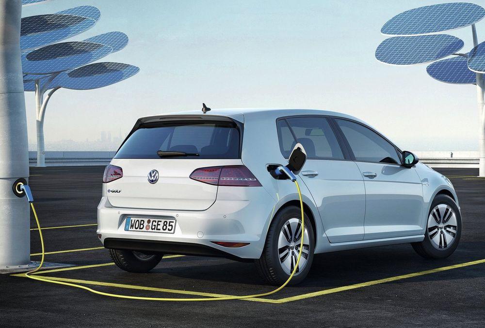Volkswagen eGolf får større rekkevidde i 2017-utgaven.
