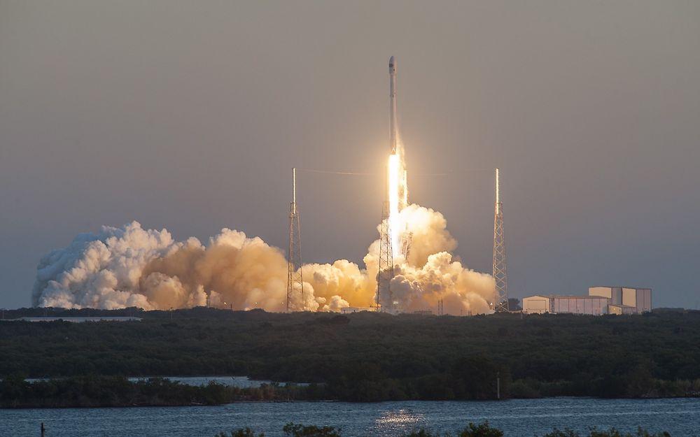 Falcon 9-raketten med romværsatellitten DSCOVR ble skutt opp natt til torsdag norsk tid.