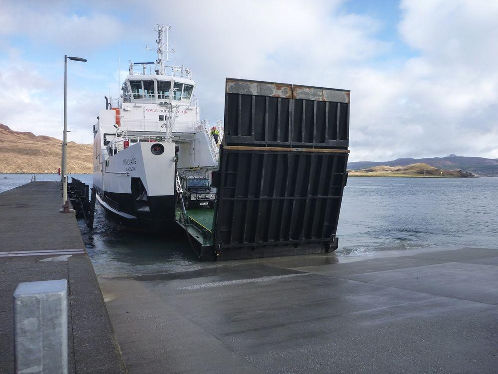 MV Hallaig ble satt i drift på tampen av 2013. Det var den første hybridfergen med en batteribank på 750 kWh og tre Volo Penta-motrer på 330 kW hver.