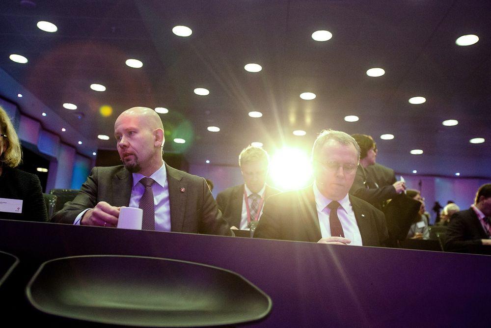 Snakk sammen: Olje- og energiminister Tord Lien (t.v.) kan ikke instruere Statoil-sjef Eldar Sætre om å investere i solenergi, men de kan jo snakke sammen. Foto: Audun Braastad / NTB scanpix