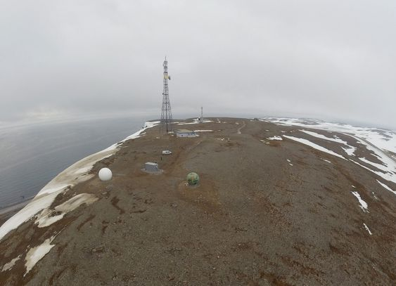 Kystverket åpner nå sitt nye nedlastingssenter for satellittdata fra AISSat-1 og AISSat-2 i Vardø.