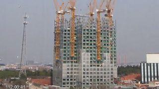 Her bygger kinesere 57 etasjer på 19 dager
