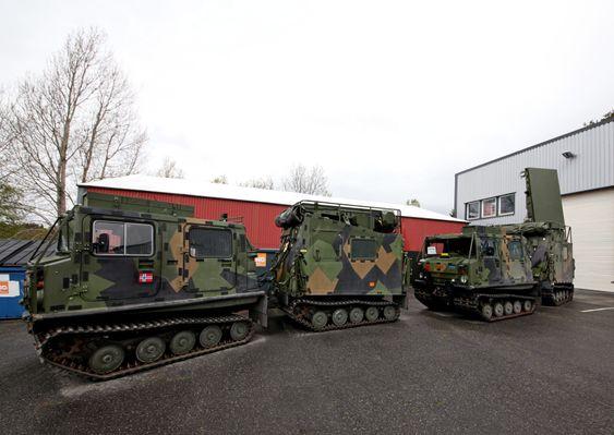 De tolv norske Arthur-systemene har hittil vært montert på Bv206. Her er de er inne til service og vedlikehold i Halden, og  løpet av noen år skal de gjennom en fullstendig modernisering (MLU).