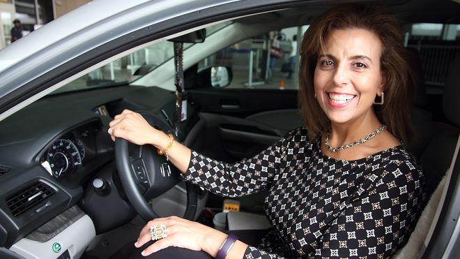 Nancy (47) mistet jobben på grunn av oljeprisen. Nå er hun Uber-sjåfør