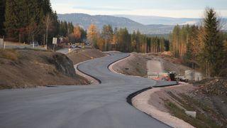 Forsker: Bedre asfalt kan spare oss for hundrevis av millioner i året