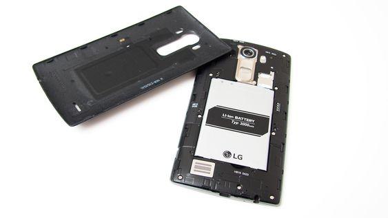 Siden bakdekselet kan fjernes, kan du enkelt bytte batteri.