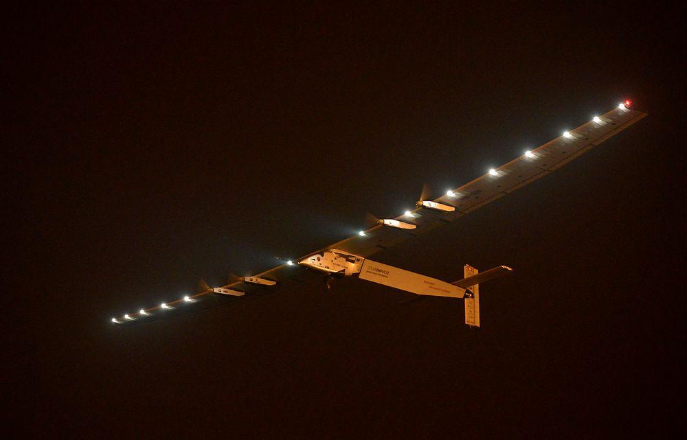 Solar Impulse 2 letter fra bakken i Nanjing i Kina for en ferd til Hawaii med bare sola som energikilde.