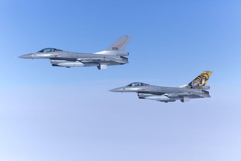 F-16 er blant de 100 flyene som er samlet til en av Europas største jagerflyøvelser.