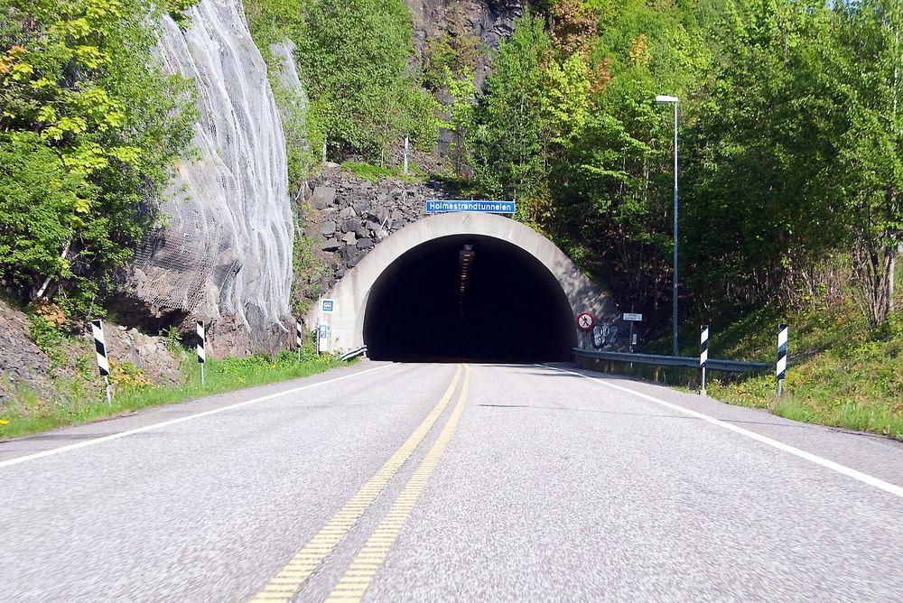 Holmestrandtunnelen har stått ubrukt i flere år. Nå håper interesseorganisasjonen Holmestrand Skitunnel AS at den om få år vil stå klar som Norges eneste skitunnel.