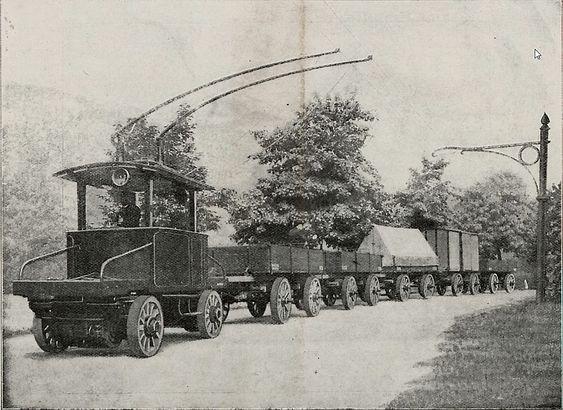 Slike elektroniske vogntog uten skinner skulle revolusjonere godstrafikken i Berlin rundt år 1900.