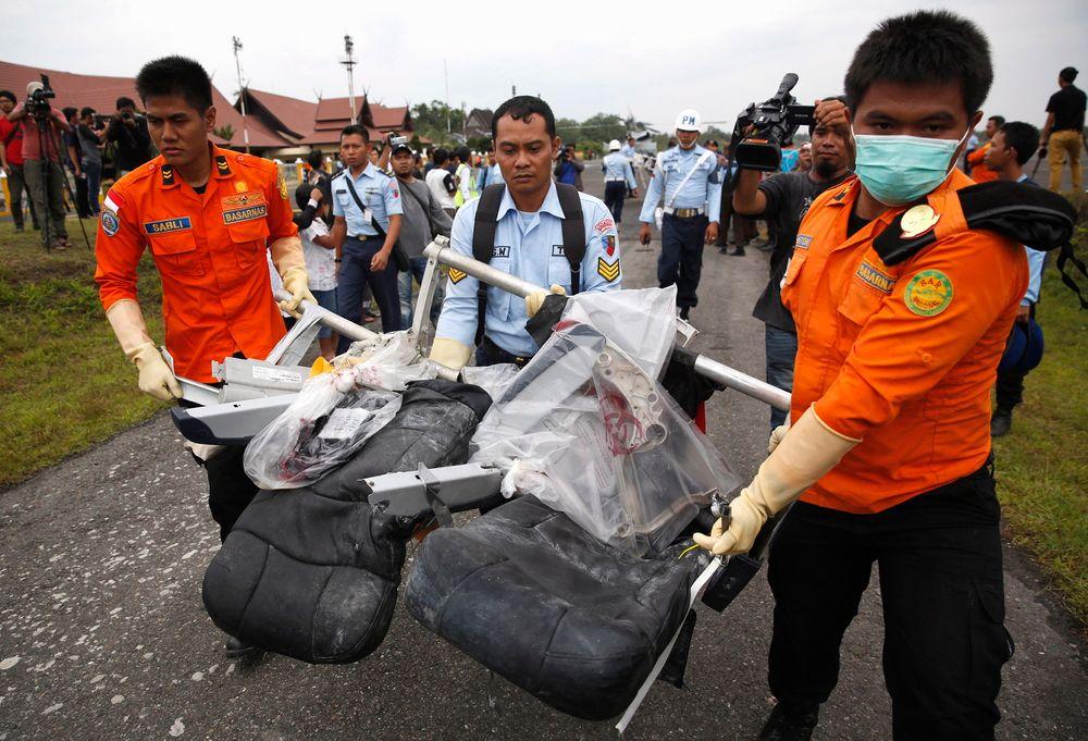 Funnet: Flere vrakrester har allerede blitt funnet og tatt hånd om etter flystyrten.