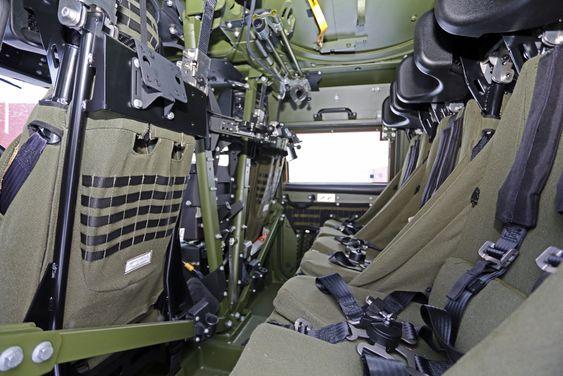 Det er nye, hengende seter og litt bedre plass i LAV 4, særlig beinplass.
