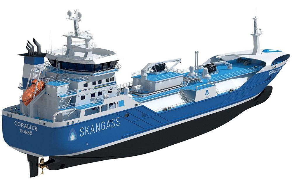 LNG bunkringsskipet Coralius, med tankkapasitet på 5800 m³. Skipet eies av svensk-nederlandske Sirius Veder Gas AB og opereres av Sirius Rederi AB i Sverige. Skangass utviklet prosjektet i samarbeid med Anthony Veder og Sirius. Skipet bygges ved Royal Bodewes i Nederland og leveres i februar 2017.