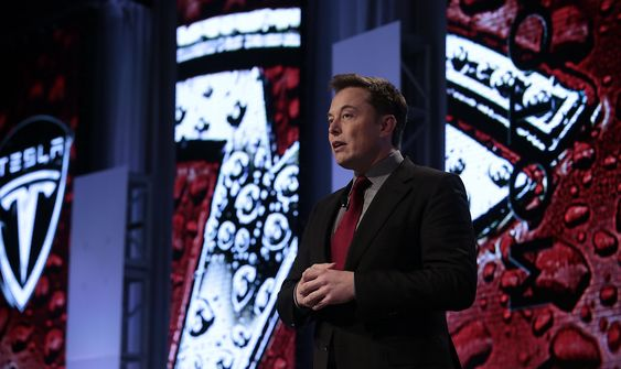 Tesla-sjef Elon Musk holdt foredrag på Automotive News World Congress i Detroit tirsdag. Seminaret ble arrangert i Renaissance Center som også huser hovedkvartet til GM.