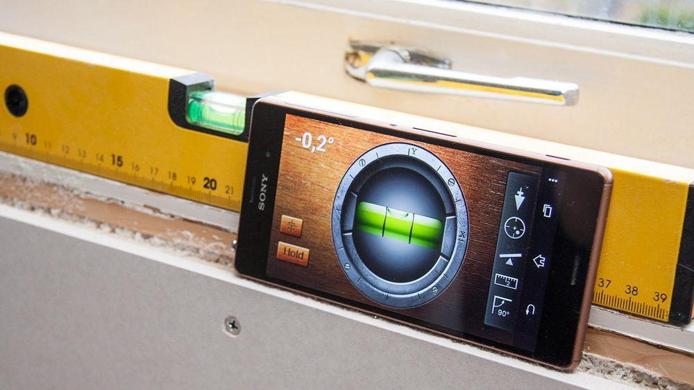 Mobilen din kan fungere som et vater eller andre måleverktøy. Bare pass på å kalibrere først.