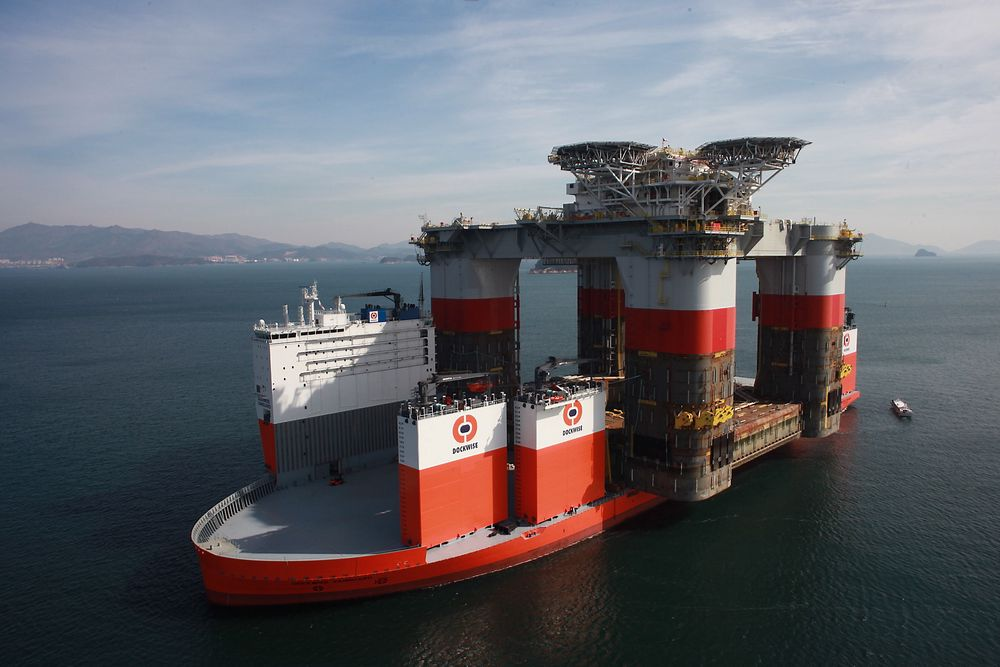 """Dockwise Vanguard"" kommer til Nord-Norge etter at den har levert sin første last i USA."