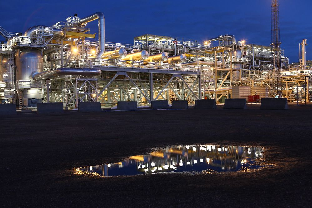 Gassen fra Ormen Lange blir prosessert på Nyhamna før den sendes i rør 1200 kilometer til Easington sør i England.