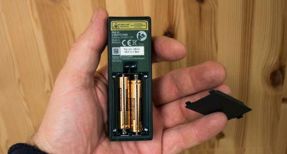 Batteridrift: To AAA-baatterier er det som skal til for ufattelig mange lengdemål.