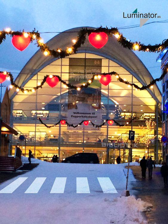 Byrådet i Tromsø vil benytte seg av lyskastere for å markere opp gangfelt om vinteren.