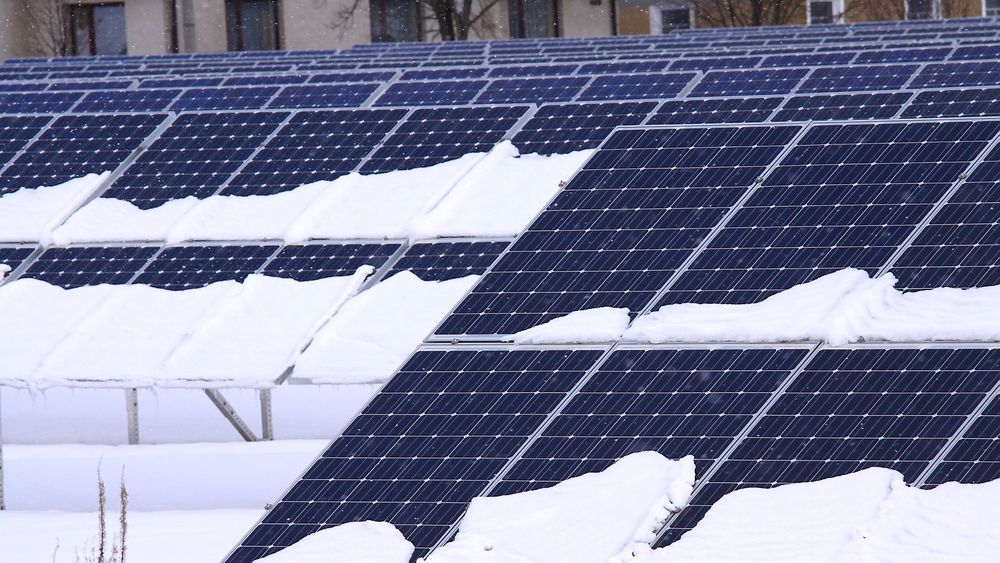 ae6ce0c3 En ny IEA-rapport konkluderer med at solcelleanlegg kan fungere optimalt  når temperaturen synker under
