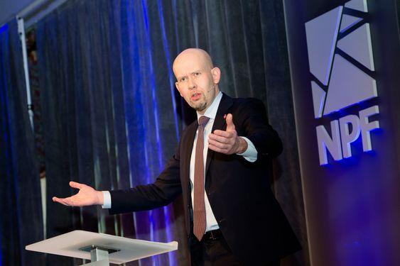 Statsråd Tord Lien, Olje- og energidepartementet under OIS 2015
