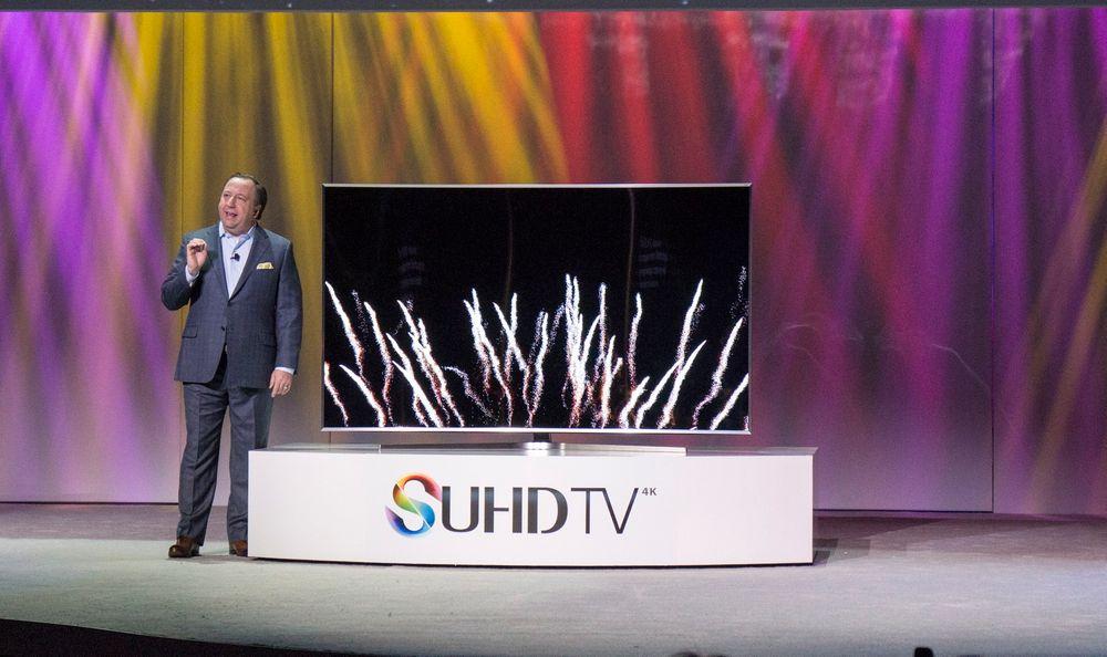 Samsung har sett seg nødt til å endre på personvernbetingelsene sine etter at selskapet har blitt anklaget om å sniklytte på private samtaler gjennom sine smart tv-er.